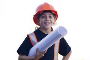 dziewczynka na budowie